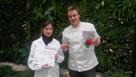 Alexis et Marion gagnants prix des étudiants Trophées de l'innovation Louis Pasteur 2015