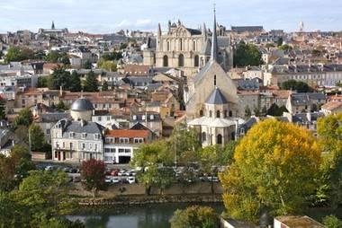 Les écoles de Commerce à Tours et Poitiers
